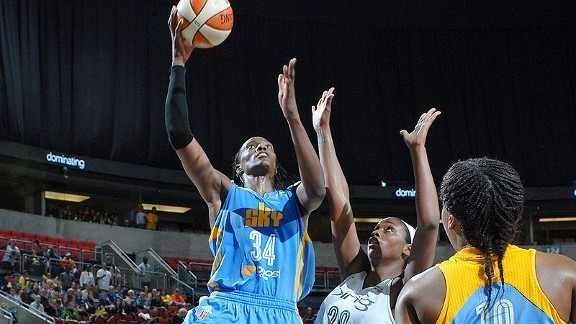 Sylvia Fowles lifts Sky to new heights